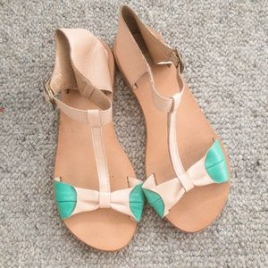 Leather T-strap Sandal with bow detail